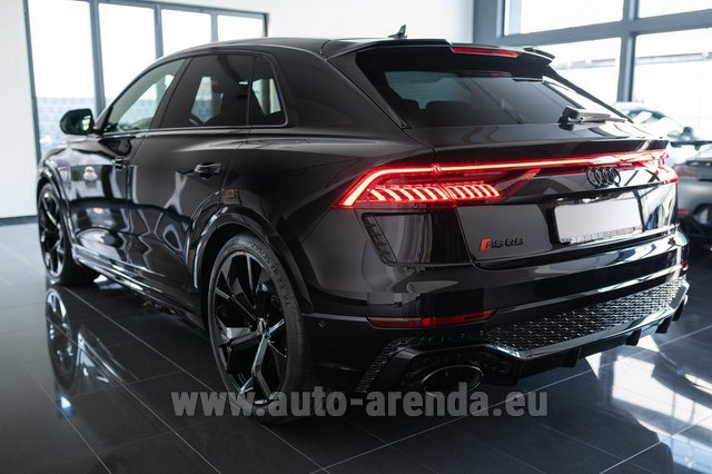 Rental Audi RS Q8 in Antibes