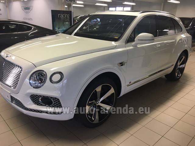Rental Bentley Bentayga W12 NAIM 22 Rear-Enterteiment in Antibes