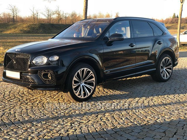 Rental Bentley Bentayga V8 new Model 2021 in Beaulieu-sur-Mer