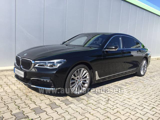 Hire and delivery to the Nice airport the car: BMW 740 Lang xDrive M Sportpaket Executive Lounge