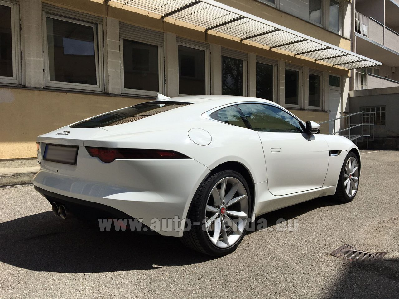 sainte maxime jaguar f type 3 0 coupe rental. Black Bedroom Furniture Sets. Home Design Ideas