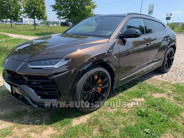 Rental Lamborghini Urus in Beaulieu-sur-Mer