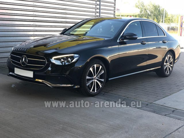 Rental Mercedes-Benz E220 diesel AMG equipment in Nice