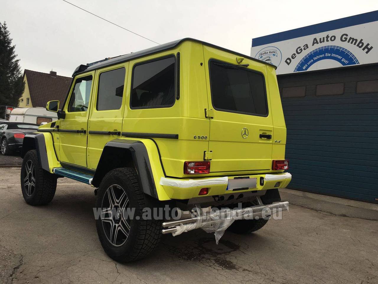 nice airport nce mercedes benz g 500 4x4 yellow rental auto arenda. Black Bedroom Furniture Sets. Home Design Ideas