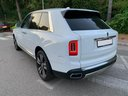 Rent-a-car Rolls-Royce Cullinan White in French Riviera Cote d'Azur, photo 3