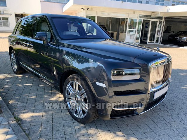 Rental Rolls-Royce Cullinan dark grey in French Riviera Cote d'Azur