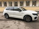 Rent-a-car Volkswagen Touareg R-Line in Cagnes-sur-Mer, photo 1